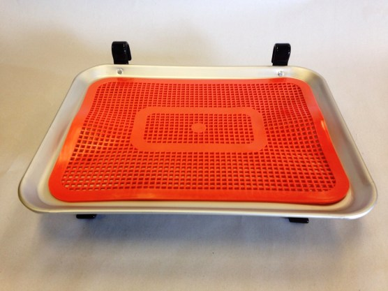 small car hop tray with orange plastic mat