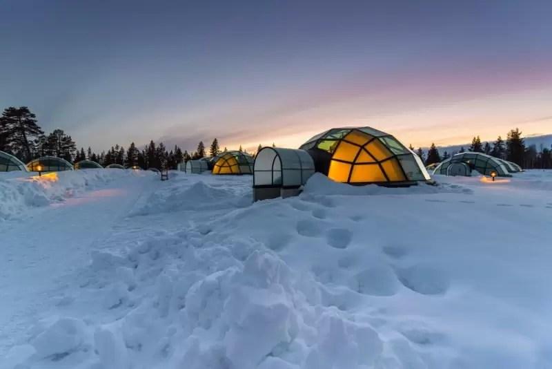 Nocleg w hotelu lodowym podczas wyjazdu integracyjnego.