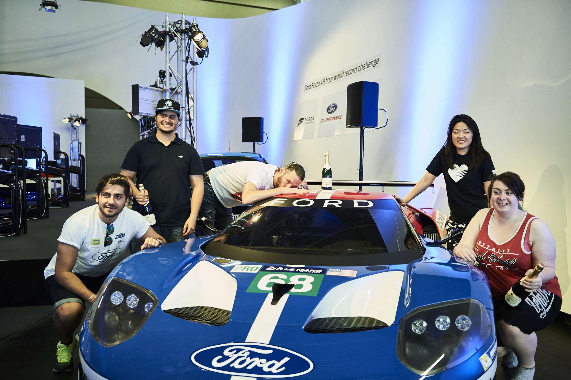 Ford GT schafft Guinness-Rekord