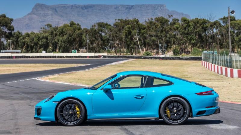 n Südafrika stand der neue GTS für Testfahrten bereit. Das Urteil: Hinterachslenkung und neue Reifen machen ihn noch fahraktiver. © Jürgen Zöllter / mid /TRD
