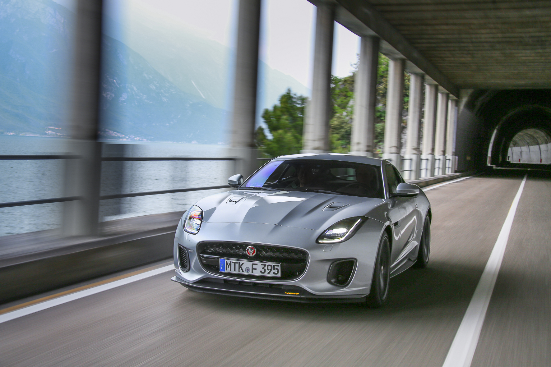 Den Jaguar im Tunnel mit erstklassigem Klang genießen