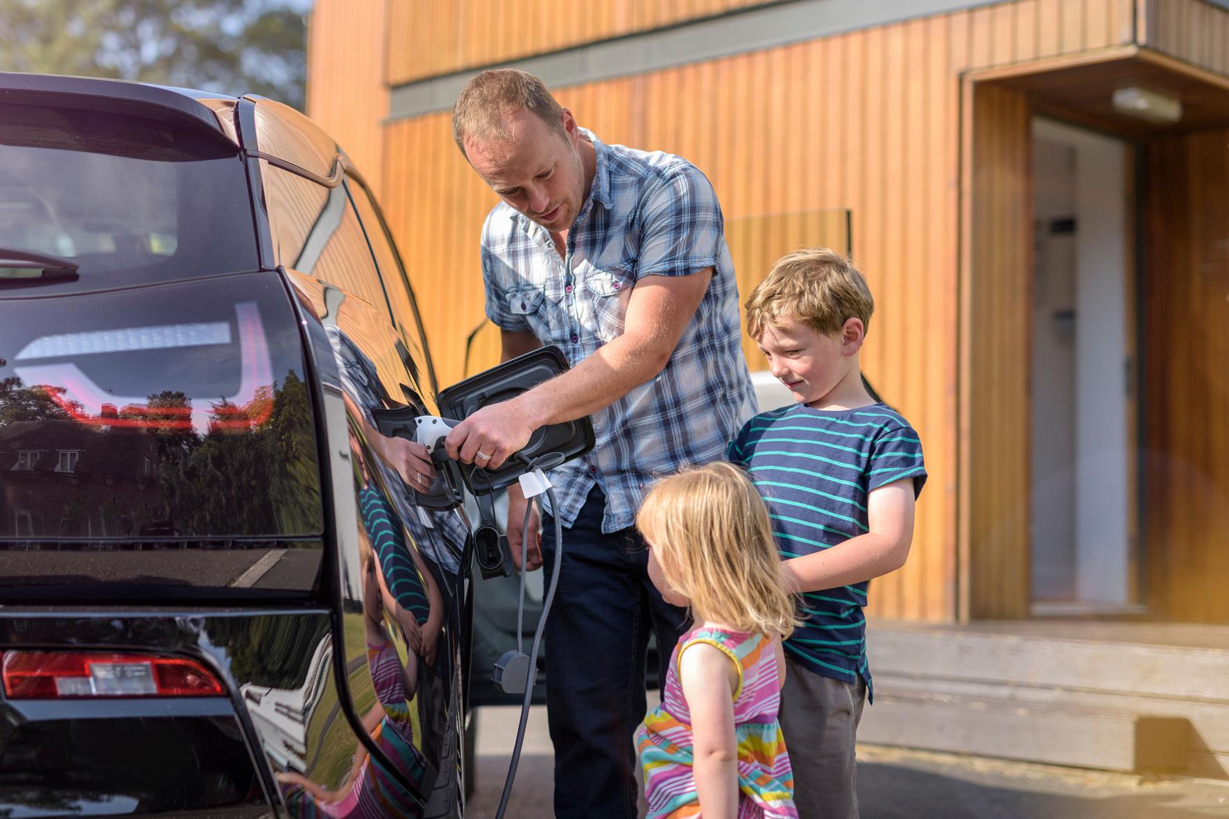 Studie liefert erstaunliche Ergebnisse über Irrtümer und Halbwahrheiten der Elektromobilität