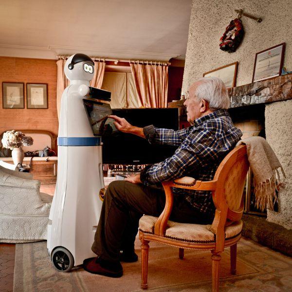 Roboter sollen Pflegehelfer spielen