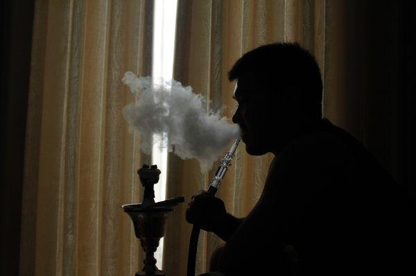Shisha rauchen: Ein Trend mit unsichtbaren Gefahren