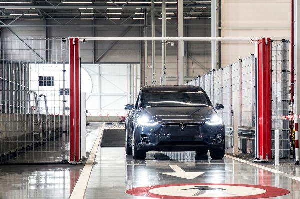 Der Tesla wird in den Niederlanden zusammengebaut