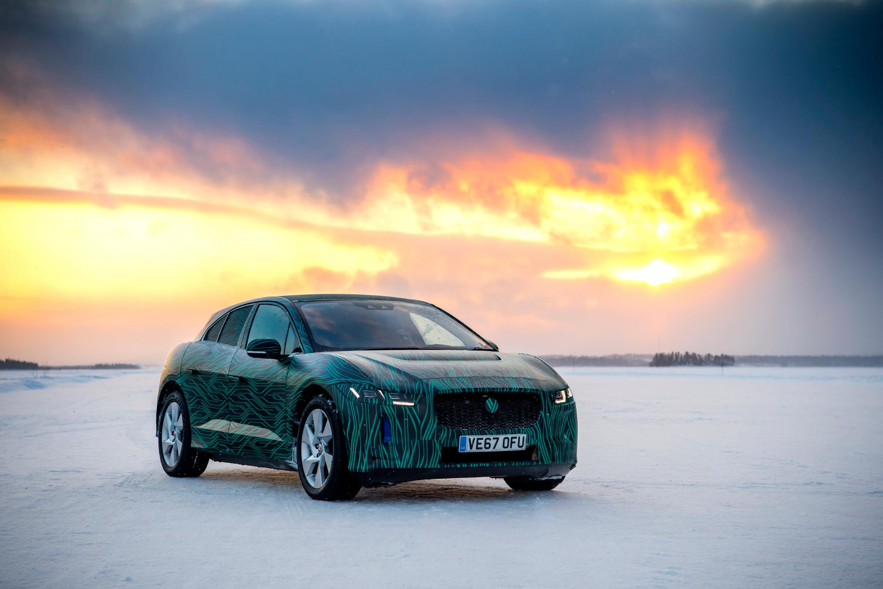 Jaguar auch im Eis schnell unter Strom