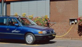 Der Strom kommt aus der Steckdose und das Auto konnte sich am Markt nicht durchsetzen. © Opel / TRDmobil