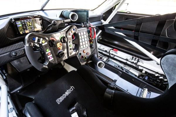 Porsche 911 GTR3 Rennsport 5