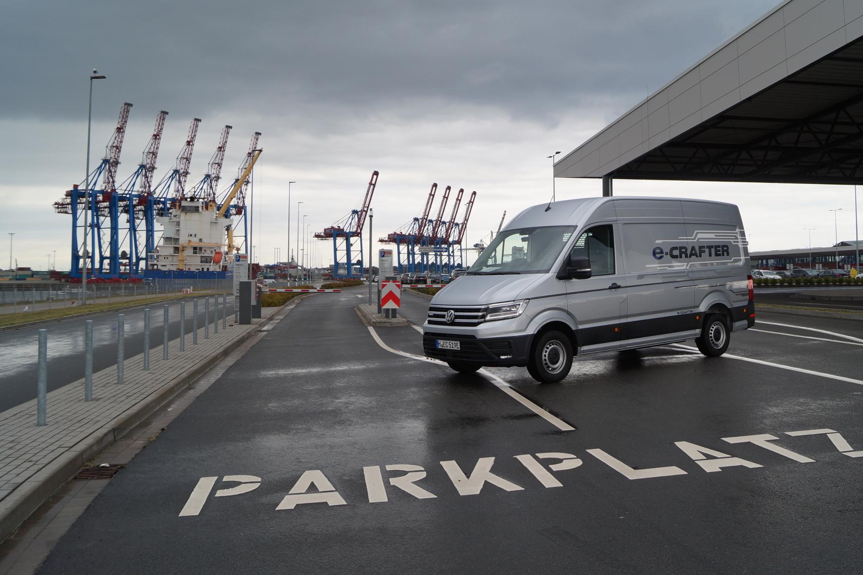Erstes e-Lieferfahrzeug fährt geräuschlos durch die Innenstadt