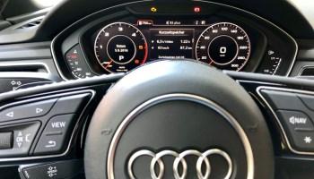 Autolenkrad im Audi