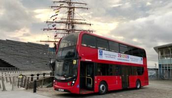 Very British: Doppeldecker passen zum Bild von Großbritannien. Jetzt fahren die roten Busse sogar mit Wasserstoff. © ZF /TRDmobil