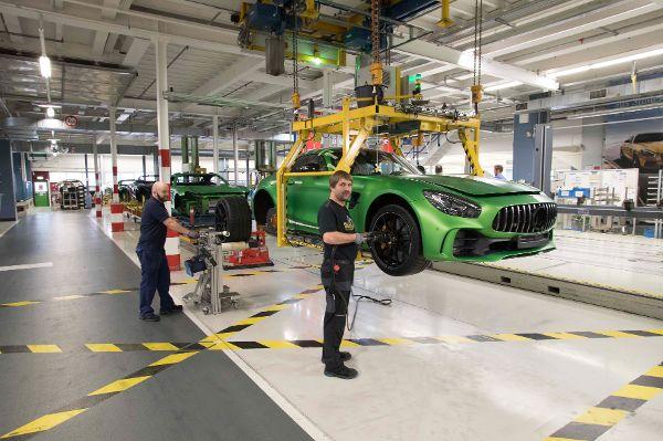 Erfolgsprämie für Daimler-Belegschaft fällt auf rund fünftausend Euro
