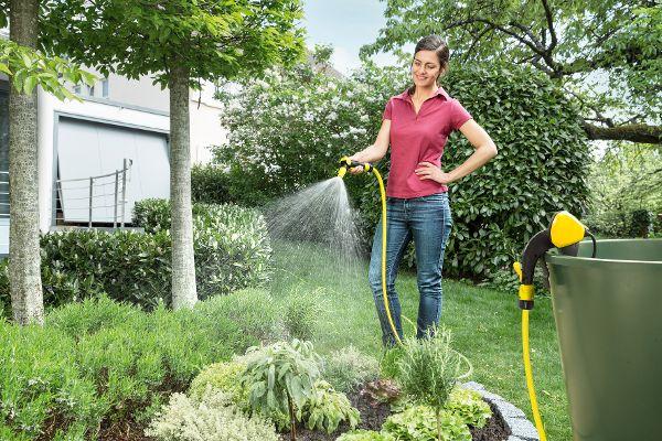 Garten giessen frau kärcher