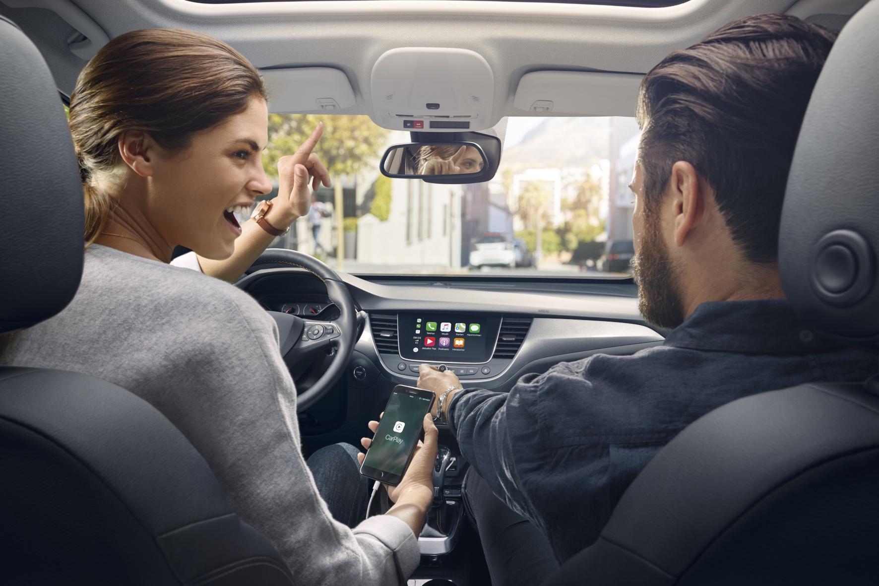 """Digital und Technik-Update:  Rauchverbot und Überwachung während der """"Smart-Fahrt"""""""