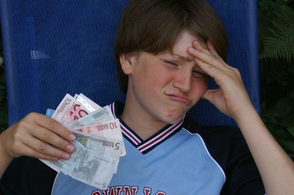 Schuleschwänzen kann richtig ins Geld gehen, wenn man im Norden der Republik schulpflichtig ist. © S. Hofschlaeger / pixelio.de / TRD Recht und Billig