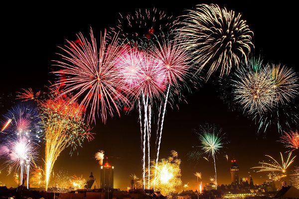 Guten Rutsch und ein erfolgreiches 2020 wünschen wir unseren Lesern