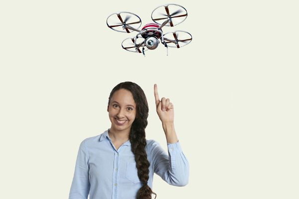 YouTube-Werbeumsatz, Datensammelwut, Drohnen im Balkonanflug