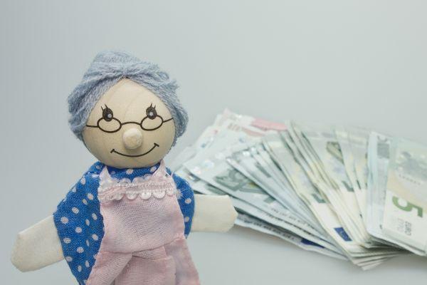 Bank, Telefonbetrug, Corona und Finanzen