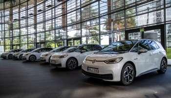 VW-W-Autos im Verkaufsraum