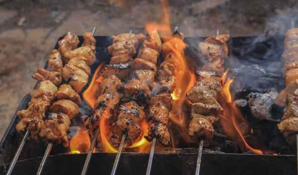 Fleisch auf dem Grill