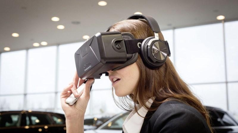 Virtual Reality-Brille zu konfigurieren und in bislang ungekannter Realitaetsnaehe zu erleben. Die kompakte Brille zeigt das gesamte Modellportfolio der Vier Ringe einschliesslich aller moeglichen Ausstattungskombinationen. Als erster Automobilhersteller weltweit hat Audi dazu eine eigene Softwareloesung fuer die Virtual Reality-Anwendung entwickelt. Foto Audi/TRD mobil