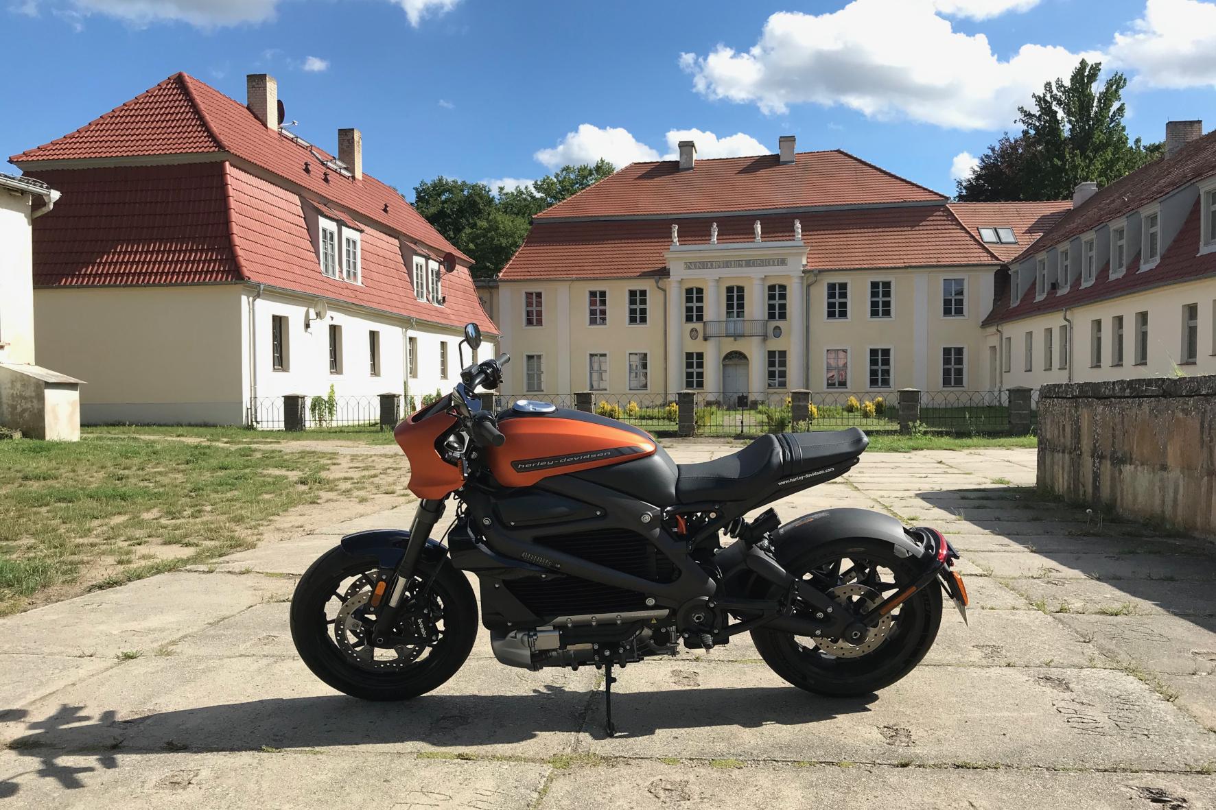 Auf Langstrecke mit der Harley-Davidson LiveWire unterwegs