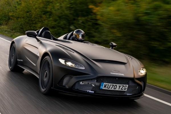 Aston Martin ohne Windschutzscheibe.