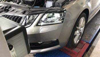 Fahrzeuge mit defekter oder falsch eingestellter Beleuchtung sind eine Gefahr im Straßenverkehr. © TÜV Thüringen / TRD mobil