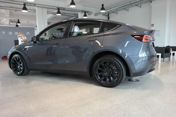 Tesla 3 TRD mobil