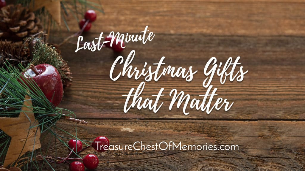 Graphic Last-Minute Christmas Gifts that Matter for busy Family Historians and Family Storytellers