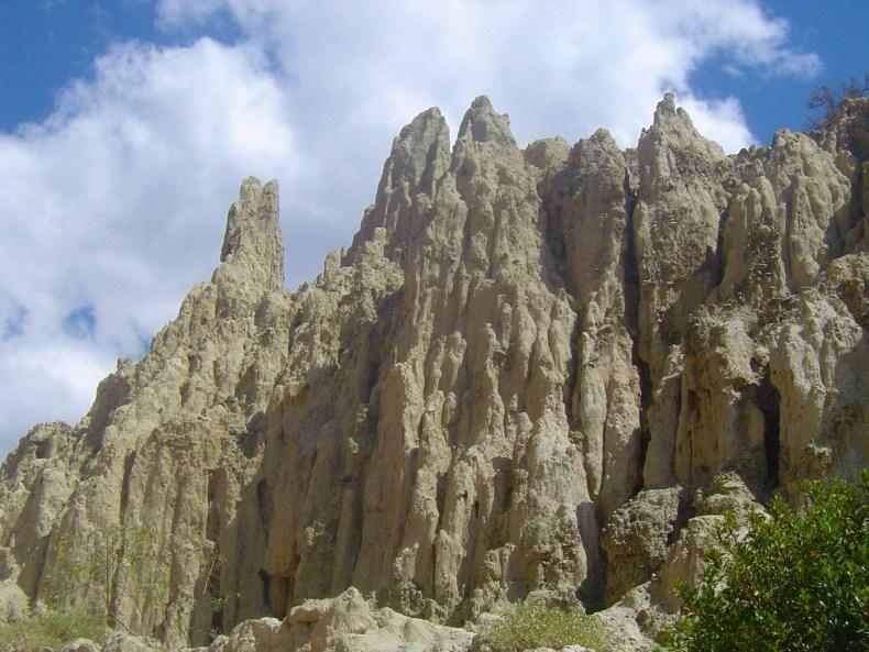 The natural rock formations of Valle de la Luna. v