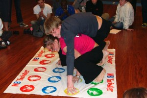 Playing Twister with the students of the Gymnastics and Sports Academy of Viborg.