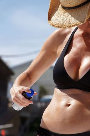 Sunscreen_spray