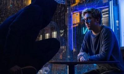 A Netflix divulgou o primeiro poster promocional para o filme Death Note, uma adaptação do mangá homônimo que é um sucesso mundial. Confira!