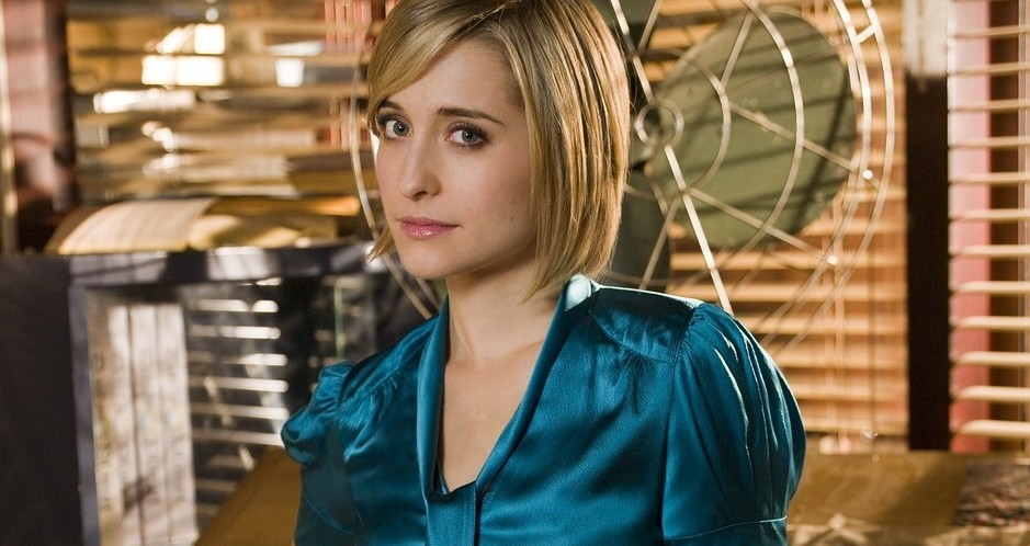 Allison Mack, de Smallville, é acusada de liderar 'culto sexual'