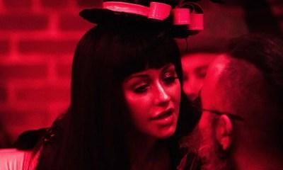Christina Aguilera será uma androide no filme 'Zoe'. Confira a primeira imagem!