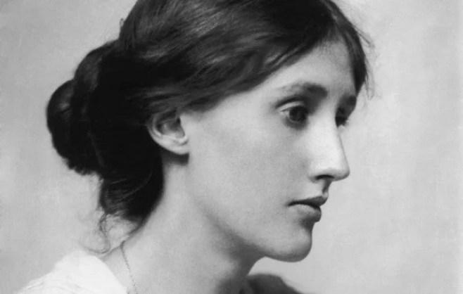 """ienal 2019 trouxe importante debate sobre escrita feminista partindo da performance feita por Mariana Ximenes de """"O Anjo do Lar"""" de Virginia Woolf. Veja!"""