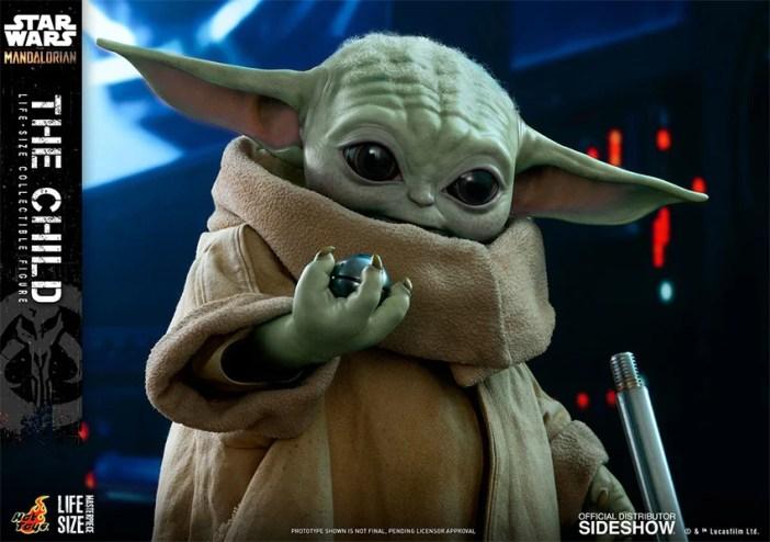 Baby Yoda em tamanho real é lançado pela Hot Toys