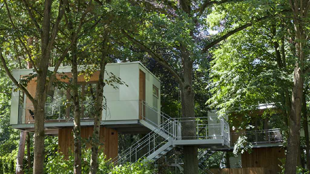 treehouse in germany the urban treehouse treehouse map. Black Bedroom Furniture Sets. Home Design Ideas