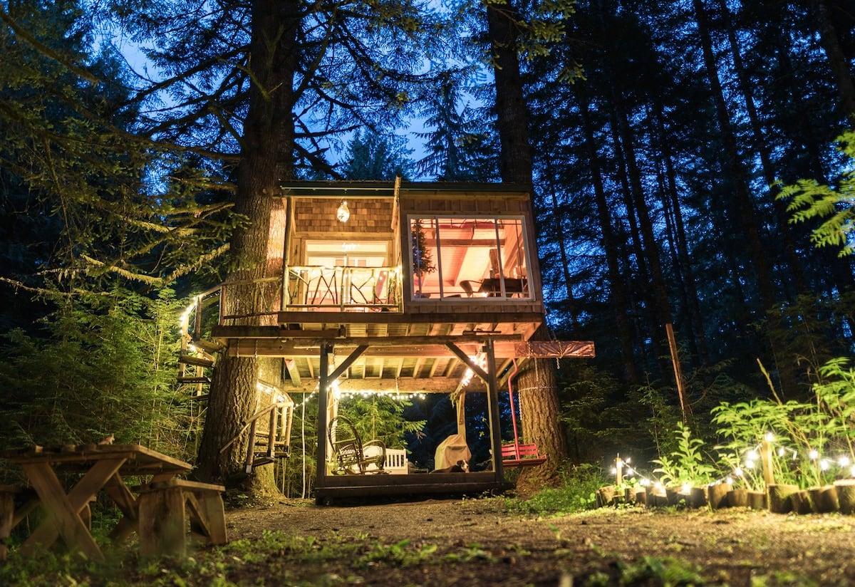 Beautiful, Magical, Oregon Treehouse Rental Airbnb