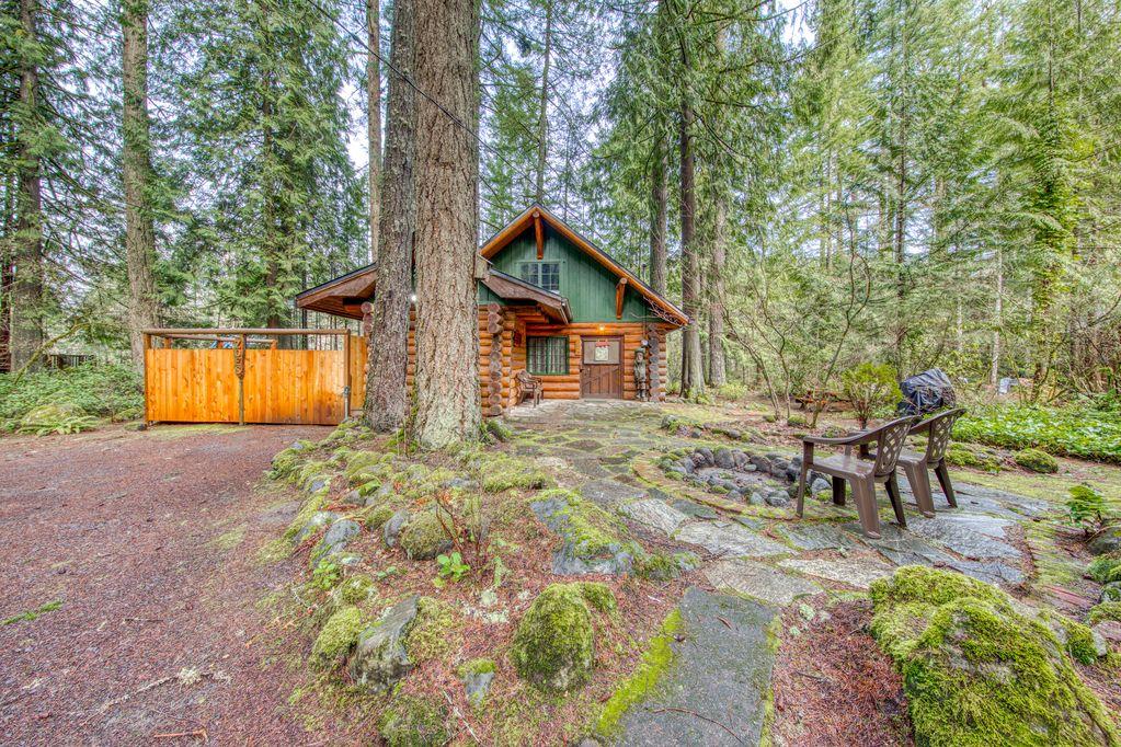 Riverfront Steiner cabin