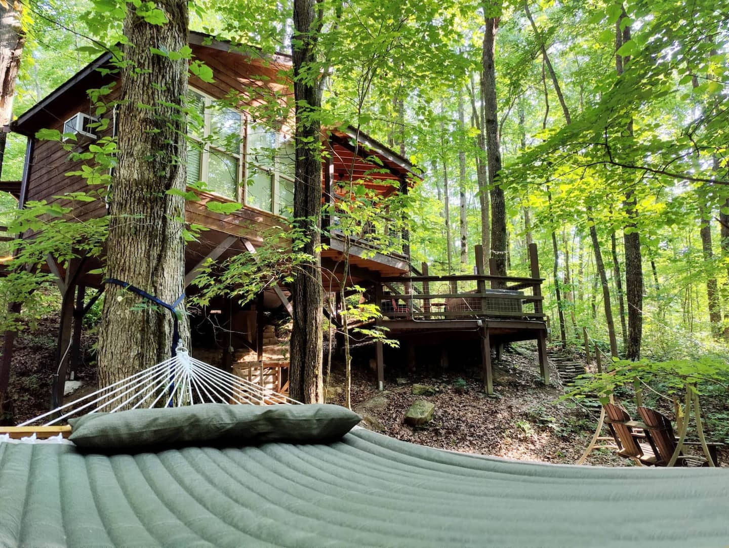 The Eagle Treehouse Rental in Tennessee