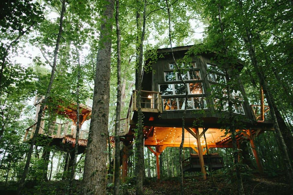 The Majestic Treehouse romantic, luxury retreat