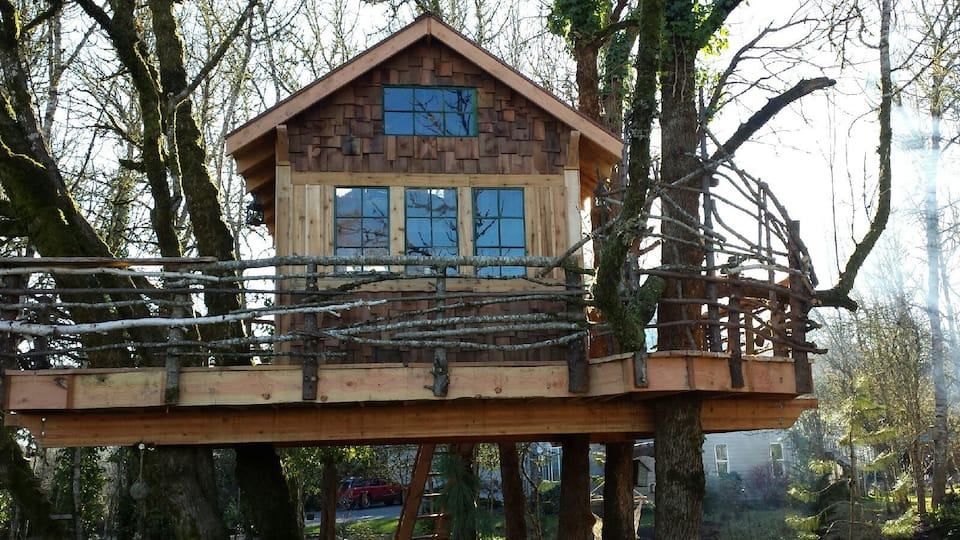 The Treehouse Retreat
