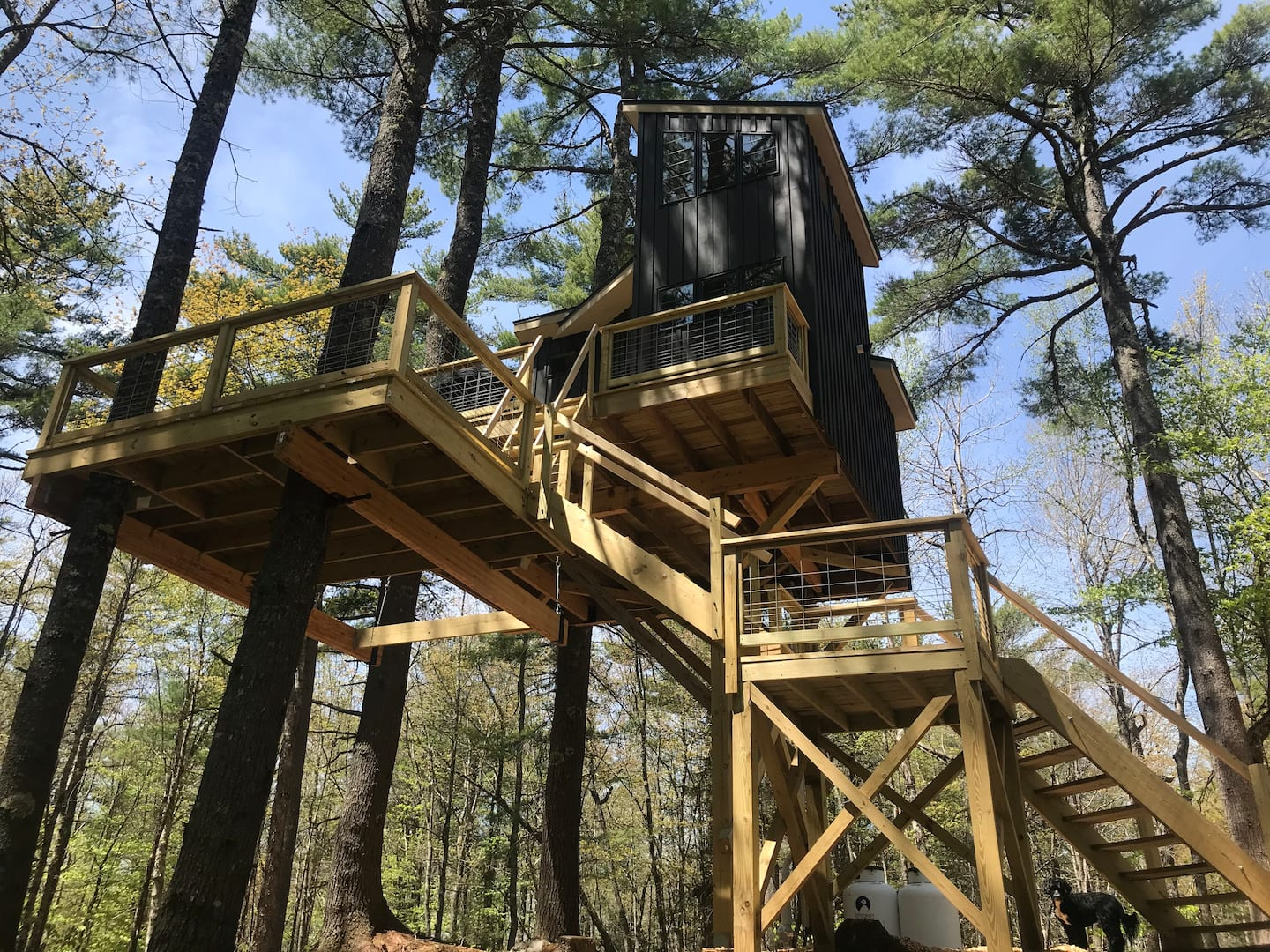 The Appleton Retreat Treehouse in Maine