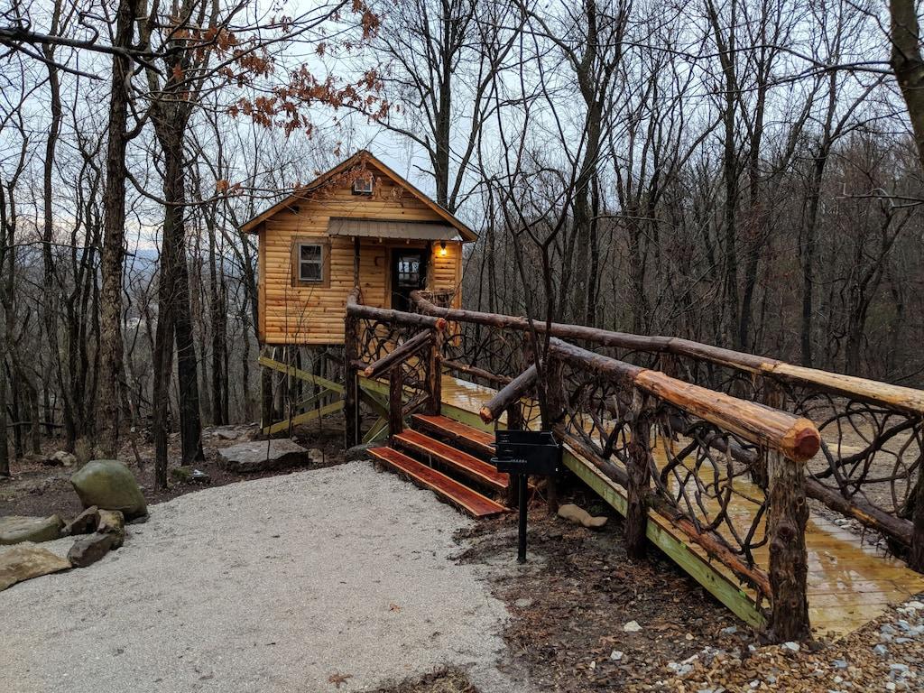 Getaway 9 Treehouse in Arkansas