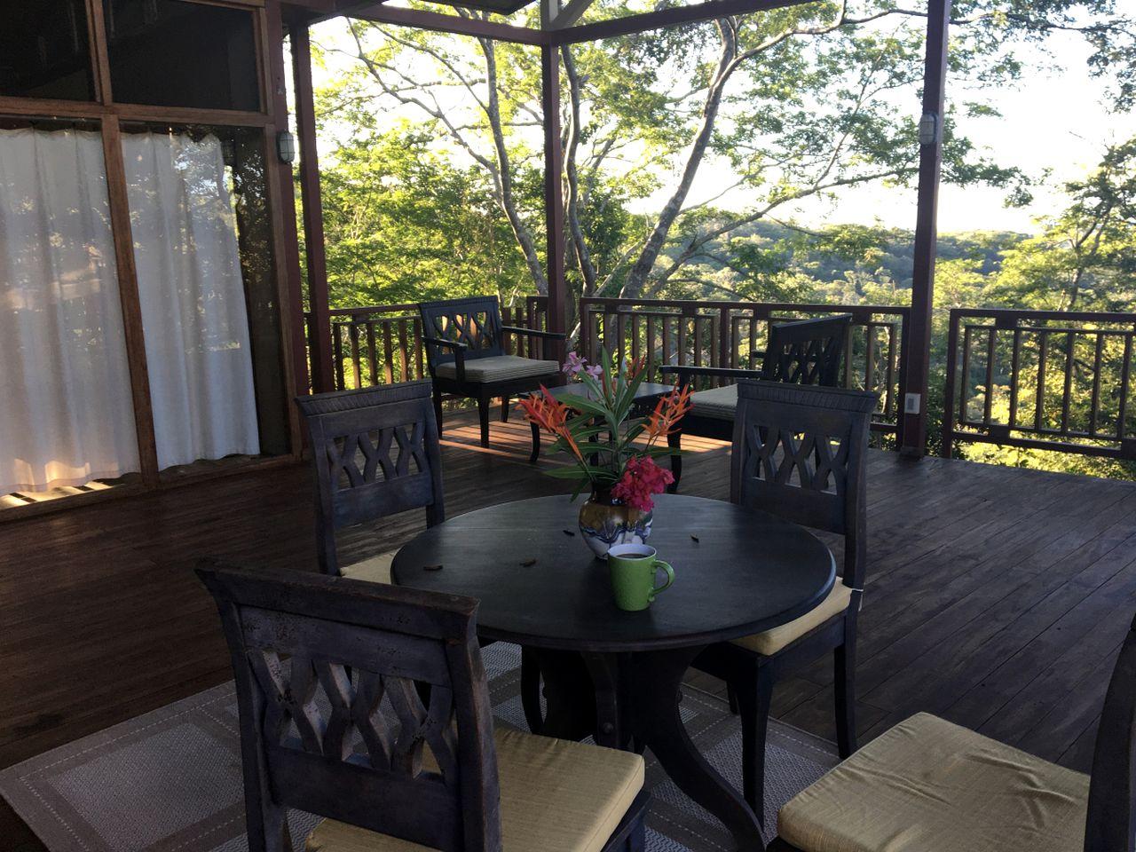 Stunning Costa Rican Tree House near Playa Negra