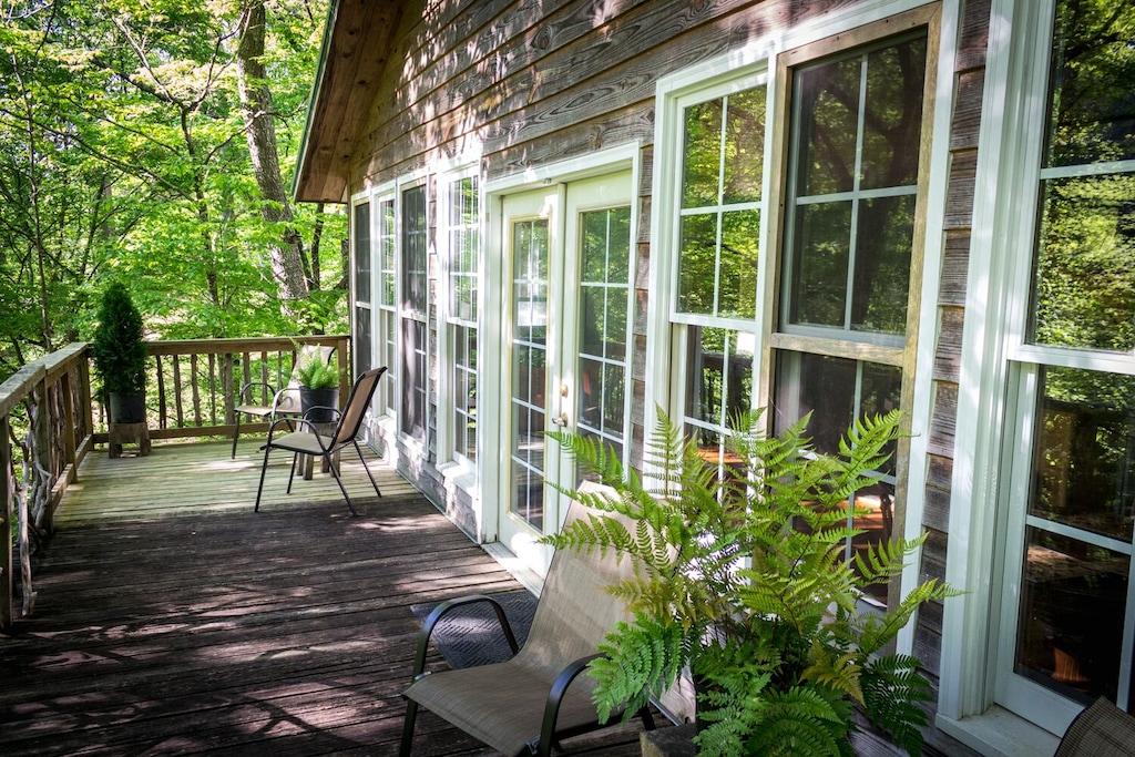 Cute Cabin Treehouse Rental in Alabama