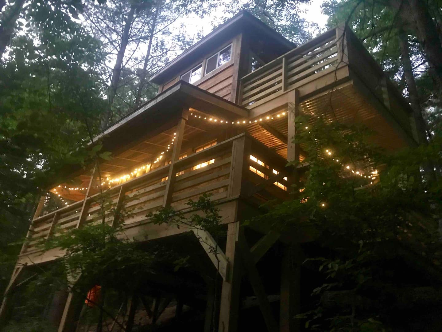 Firefly Bend Treehouse - Glamping, Hot Tub, Hiking