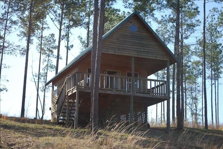 Lone Secluded Cabin Treehouse Mississippi